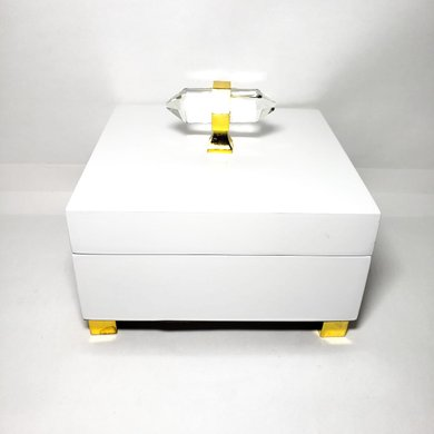Caixa Quadrada Pequena Branca Puxador Tipo Cristal