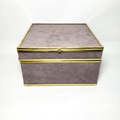 Caixa Quadrada Pequena Veludo Cinza Detalhes Dourados
